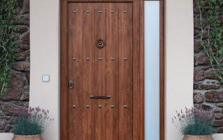puerta-acorazada-rústica-de-nogal